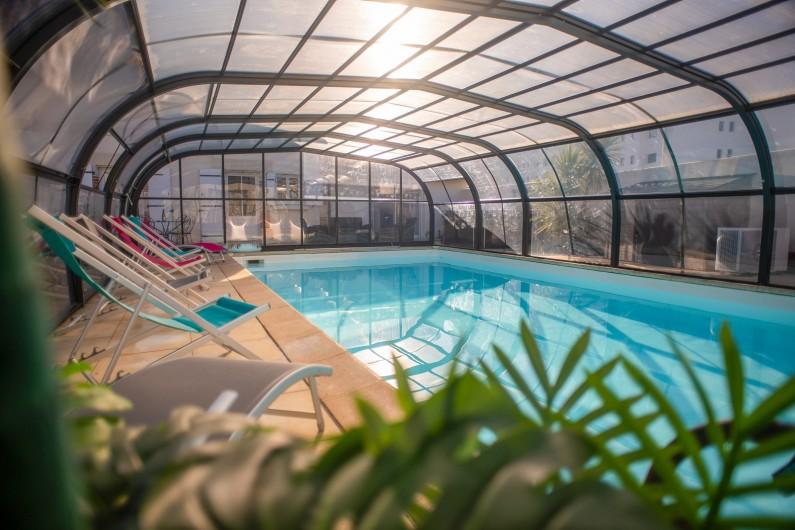 Location de vacances - Villa à Saint-Gilles-Croix-de-Vie - NOTRE PISCINE COUVERTE ET CHAUFFEE