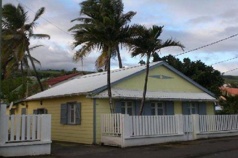 Maison grand bois l 39 le de la reunion en bord de mer for Constructeur de maison en bois ile de la reunion