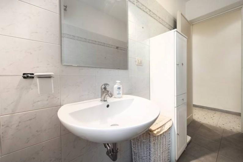 Location de vacances - Appartement à Rome - Gande salle de bain