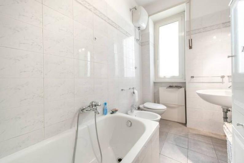 Location de vacances - Appartement à Rome - Grande salle de bain
