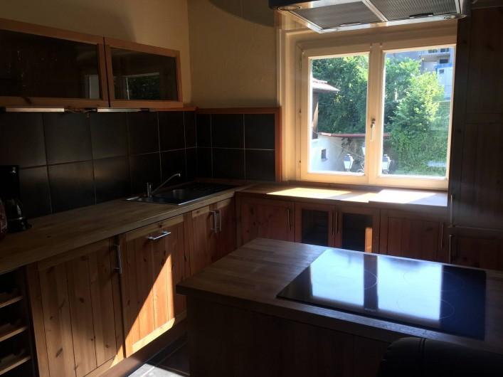 Location de vacances - Appartement à Saint-Gervais-les-Bains - cuisine américaine équipée