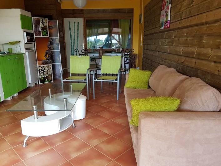 Location de vacances - Appartement à Baie Mahault - Séjour spacieux