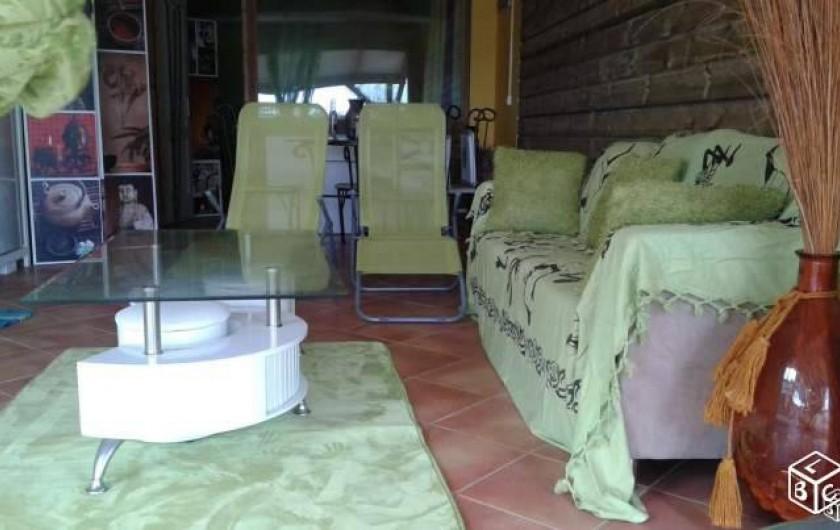 Location de vacances - Appartement à Baie Mahault - Grand séjour avec téléviseur et TNT, wifi