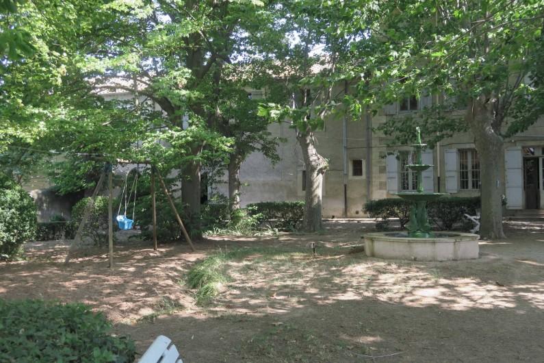 Location de vacances - Chambre d'hôtes à Ouveillan - la fontaine