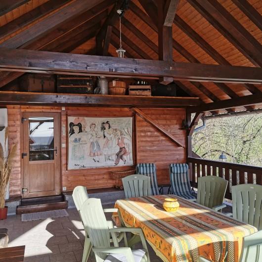 Location de vacances - Gîte à Nothalten - Autre vue de la terrasse couverte