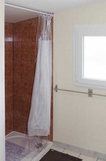 Location de vacances - Gîte à Huppy - Salle d'eau (coin douche)
