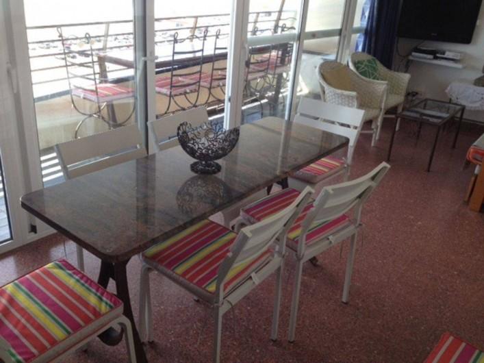 Location de vacances - Appartement à L'Estartit - Salle à Manger avec vue sur les Iles et la Mer