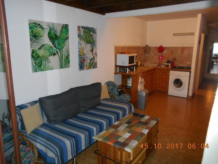 Location de vacances - Appartement à Saint-Gilles les Bains - Salon-Coin cuisine