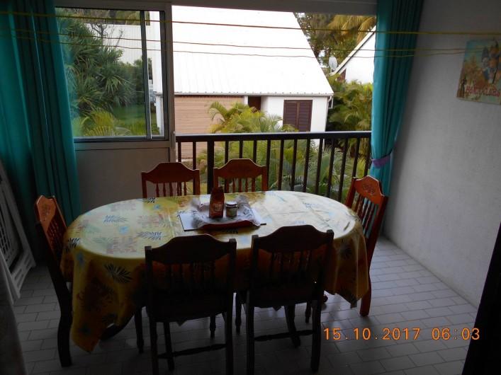 Location de vacances - Appartement à Saint-Gilles les Bains - Terrasse