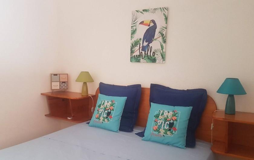 Location de vacances - Appartement à Saint-Gilles les Bains - Chambre 1