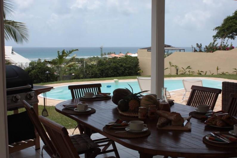 Location de vacances - Villa à Saint-François - la barrière de corail et la plage face à la villa