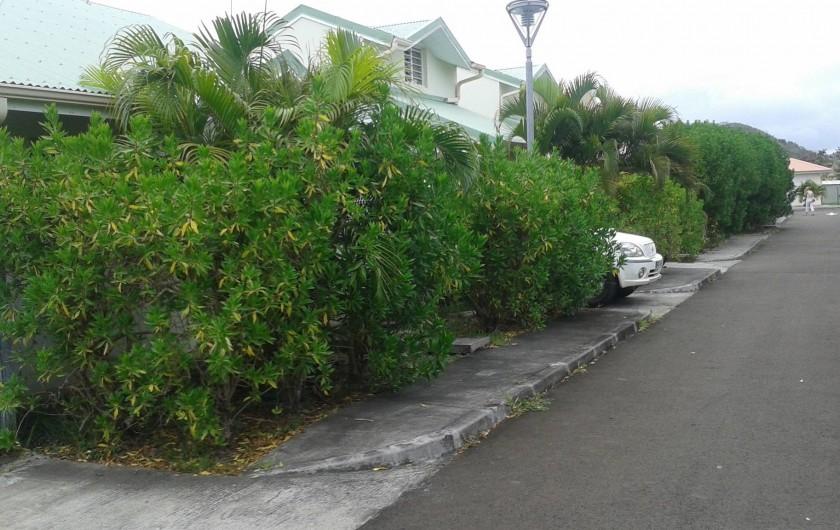 Location de vacances - Maison - Villa à Sainte-Anne - allée de la résidence