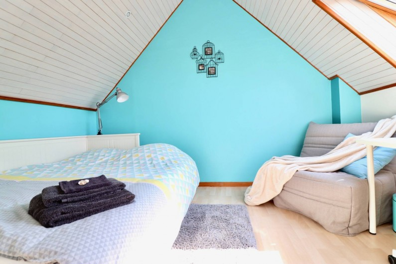 Location de vacances - Villa à Matignon - Chambre bleue 2e étage: lit transformable 80x200 vers 160x200 +lit 90x200