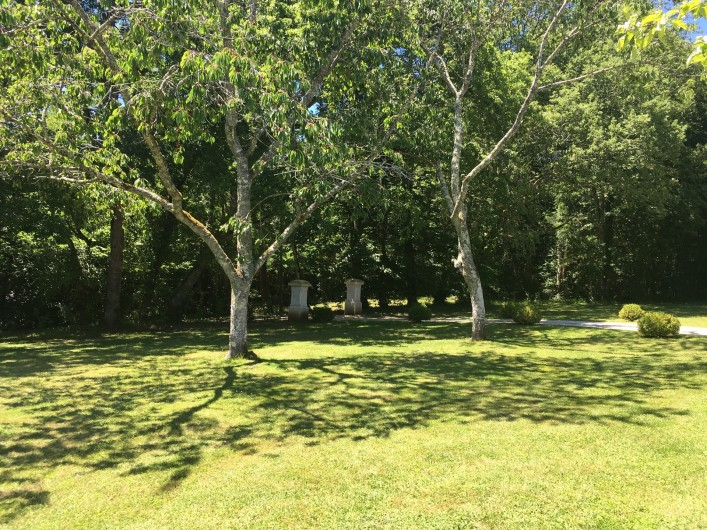 Location de vacances - Villa à Saint-Martin-des-Combes - La Chartreuse, jolie maison périgourdine avec piscine privée à débordement