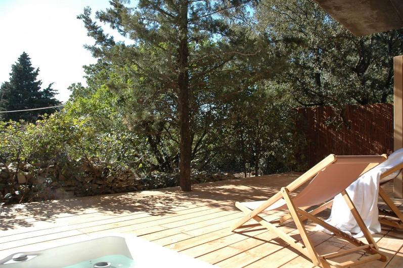 Location de vacances - Chambre d'hôtes à Nîmes - Terrasse Luxe