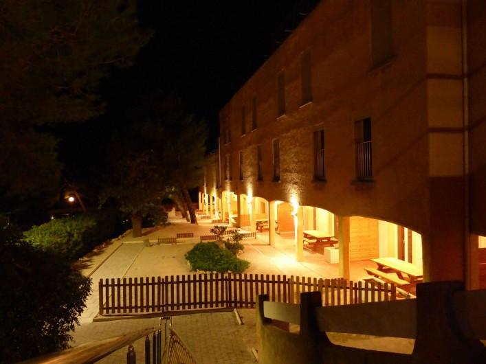 Location de vacances - Appartement à Martigues - Les terrasses des appartements de nuit