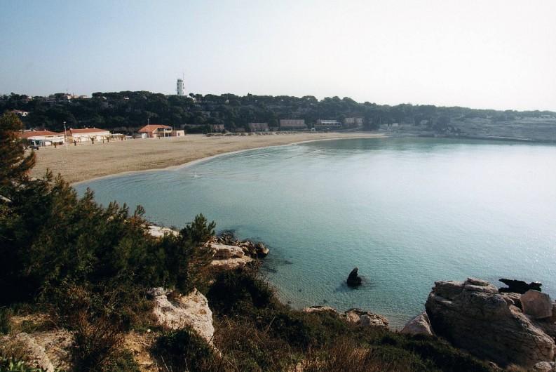 Location de vacances - Appartement à Martigues - Plage du verdon accessible à 5 minutes à pied de la Bastide des Joncas