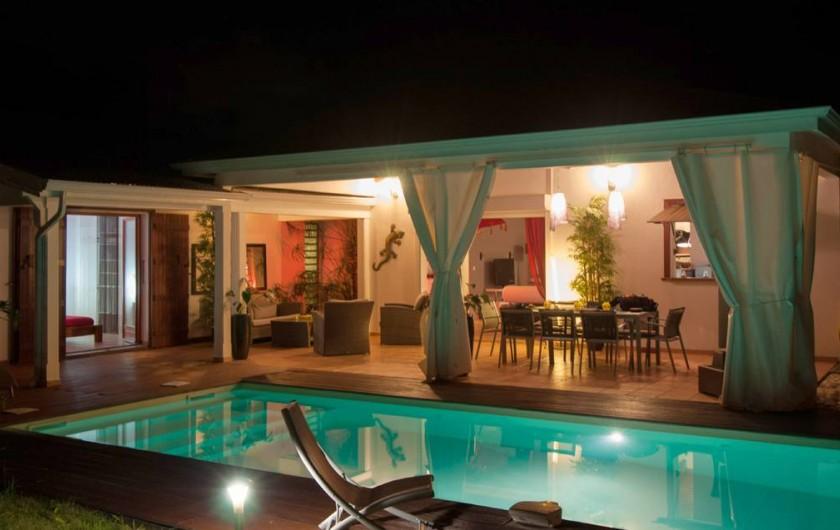 Location de vacances - Villa à Saint-François - La villa coté jardin,