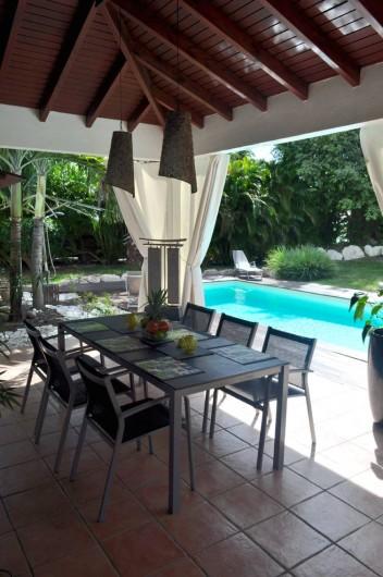 Location de vacances - Villa à Saint-François - La salle à manger extérieure