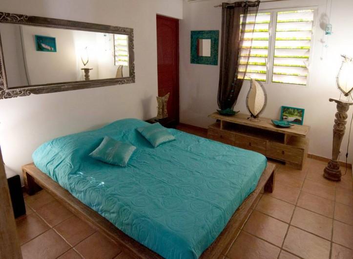 Location de vacances - Villa à Saint-François - La deuxième chambre en teck