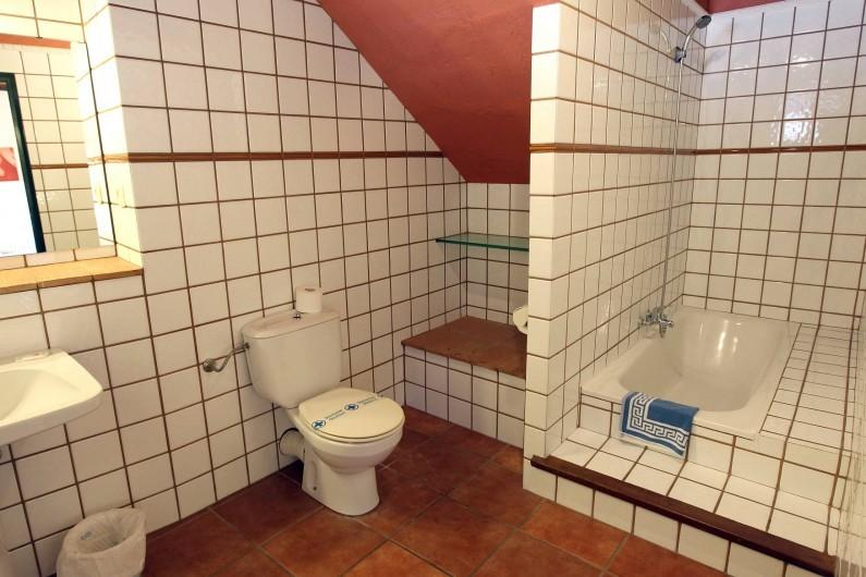 Location de vacances - Gîte à Llampaies - Salle de bains