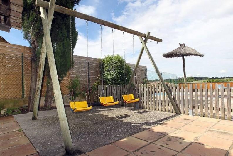 Location de vacances - Gîte à Llampaies - Balançoires
