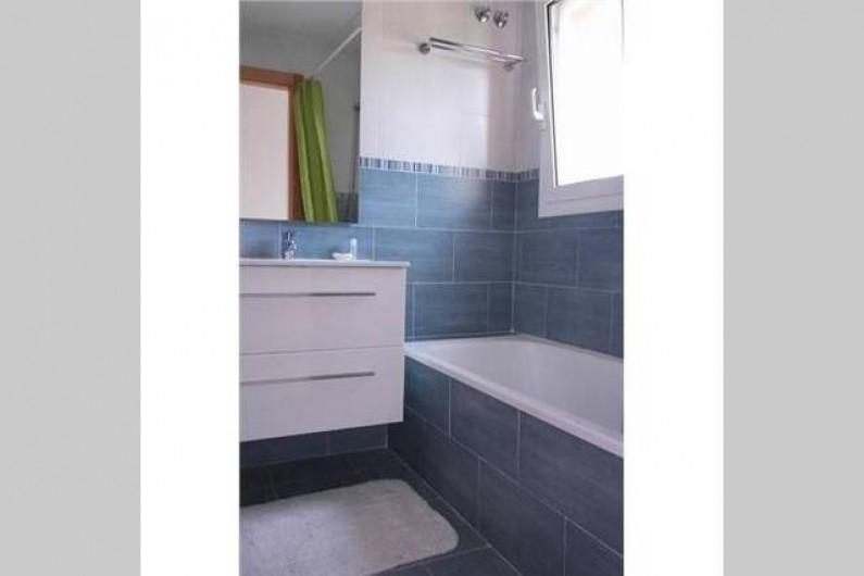 Location de vacances - Villa à L'Ametlla de Mar - Salle de bains étage