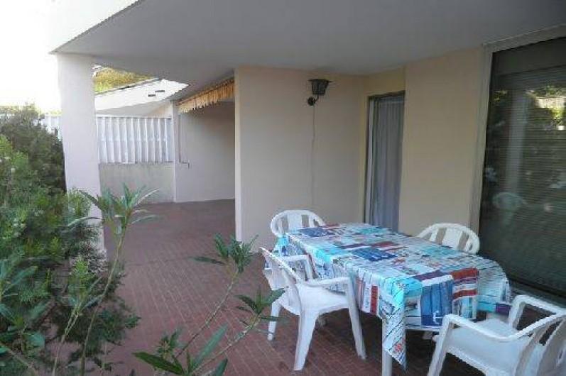 Location de vacances - Appartement à Cannes - Cannes beach- Terrasse -partie couverte