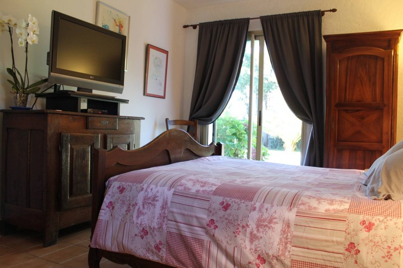 Location de vacances - Villa à Saint-Tropez - Chambre maître