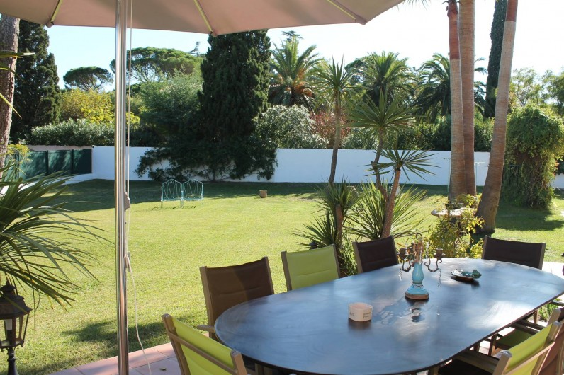 Location de vacances - Villa à Saint-Tropez - Terrasse