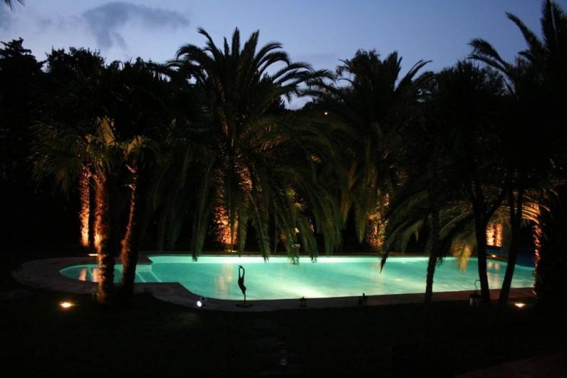 Location de vacances - Villa à Saint-Tropez - Piscine