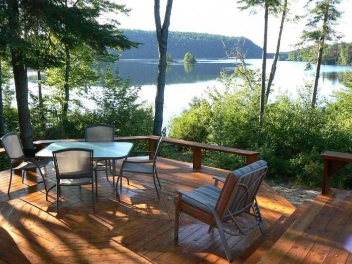 Location de vacances - Chambre d'hôtes à Ville de Québec - Le calme absolu dans une nature sauvage préservée. Un lac sans bateau-moteur .
