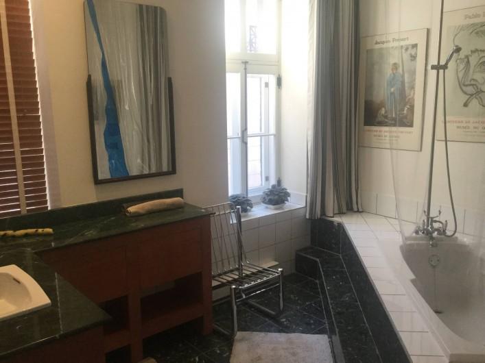 Location de vacances - Chambre d'hôtes à Ville de Québec - Salle à manger Table réfectoire