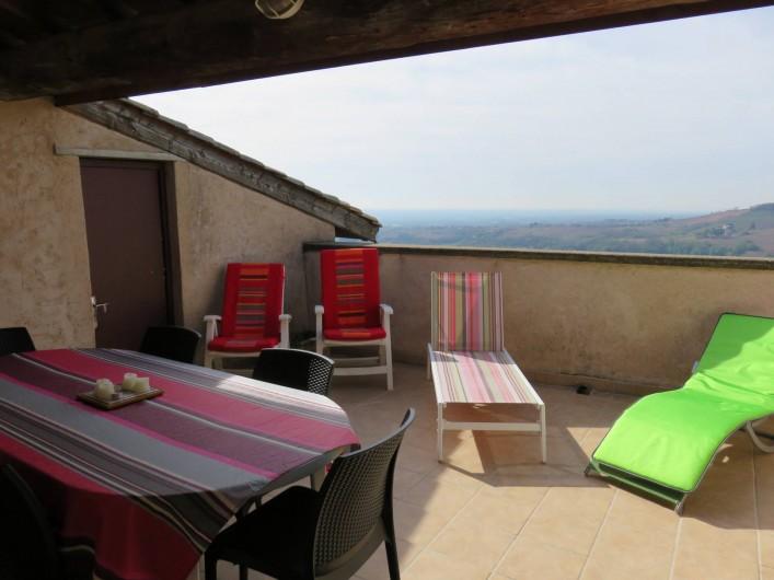 Location de vacances - Gîte à Juliénas - TERRASSE SOLARIUM
