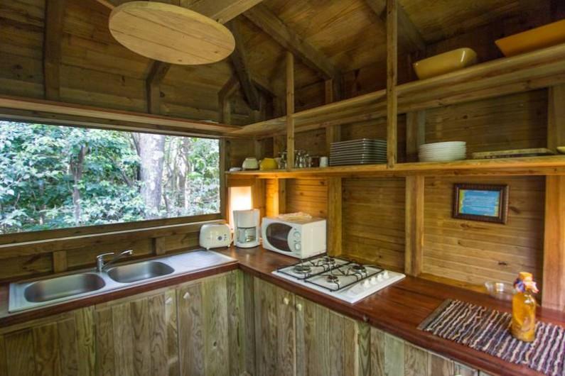 Location de vacances - Cabane dans les arbres à Deshaies - Cuisine cabane dans les arbres
