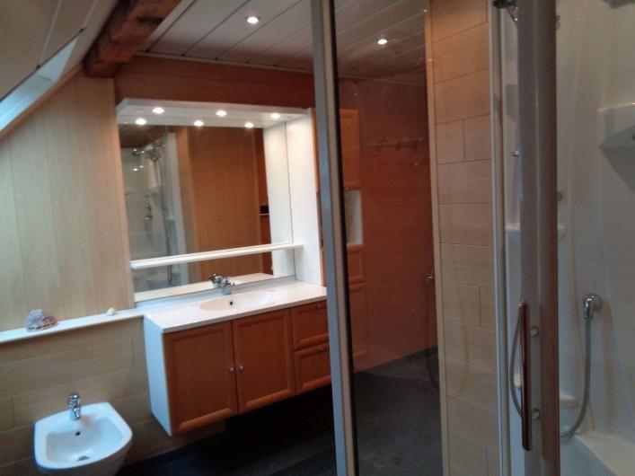 Location de vacances - Gîte à Ottrott - Salle de bain du 1er étage