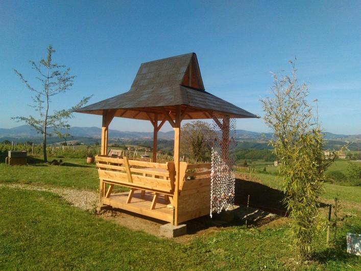 Location de vacances - Chambre d'hôtes à Saint-Laurent-d'Oingt - Le petit kiosque de Georges, avec vue sur le village