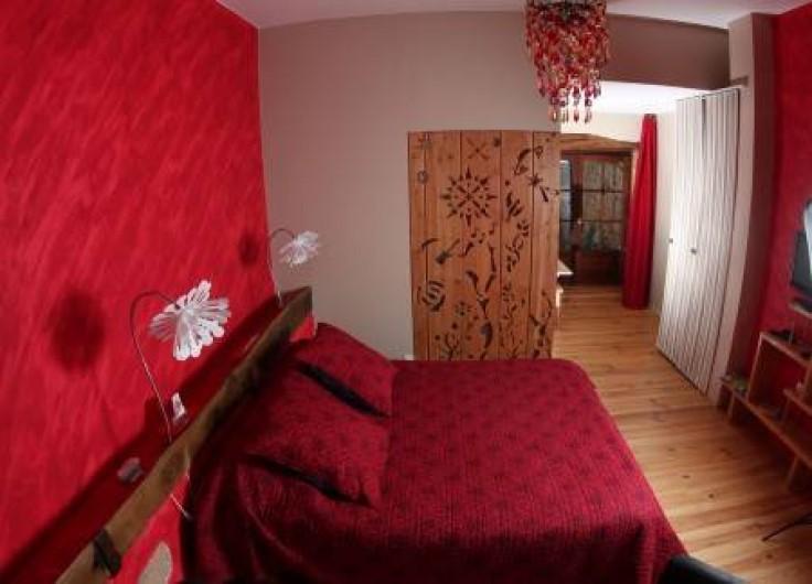 """Location de vacances - Chambre d'hôtes à Saint-Laurent-d'Oingt - """"la crèche"""""""