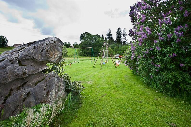 Location de vacances - Gîte à Fournets-Luisans - Espace vert
