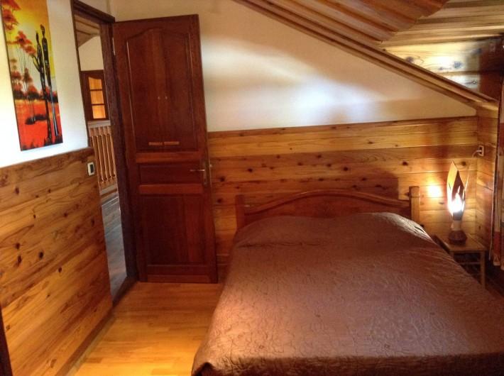 Location de vacances - Villa à Saint-Pierre - Chambre 2 : décor africain, climatisée