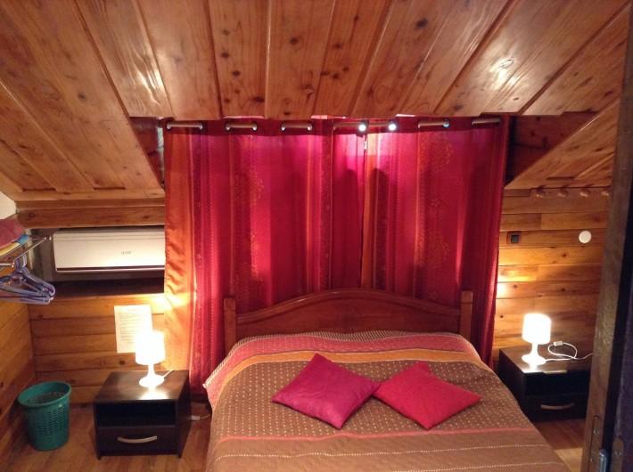 Location de vacances - Villa à Saint-Pierre - Chambre 3 : rose, climatisée