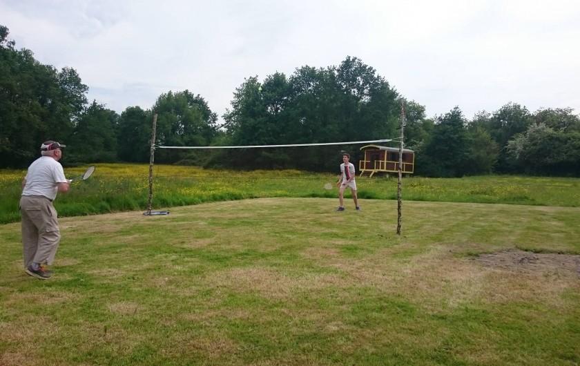 Location de vacances - Roulotte à La Chapelle-Blanche-Saint-Martin - Domaine de La Grangée Badminton pour les plus sportifs ! Touraine (37)