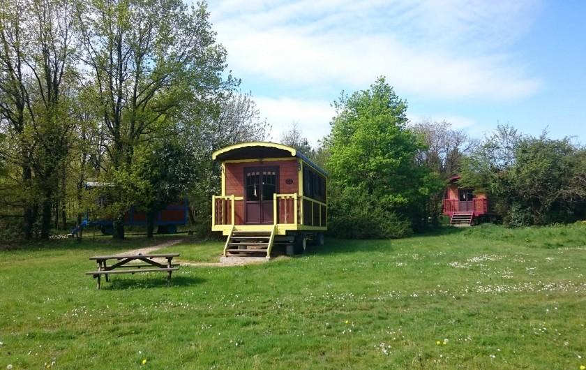 Location de vacances - Roulotte à La Chapelle-Blanche-Saint-Martin - Week-end insolite en roulotte, au calme