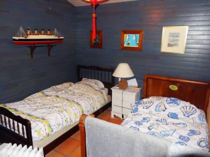 Location de vacances - Villa à Le Cap Ferret - Chambre 2 avec deux lits de 70