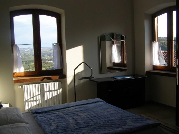Location de vacances - Appartement à Verduno - Chambre Azzurro