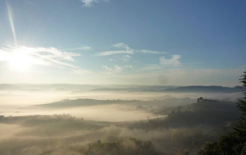 Location de vacances - Appartement à Verduno - Panorama au matin
