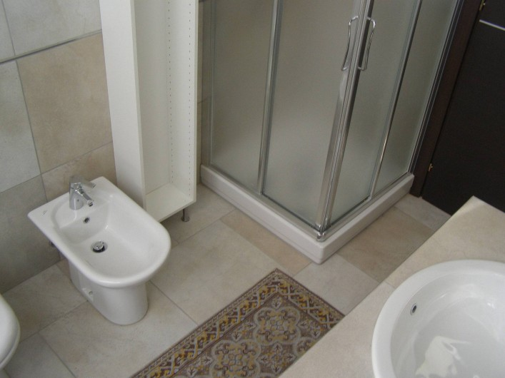 Location de vacances - Appartement à Verduno - Toilette Azzurro