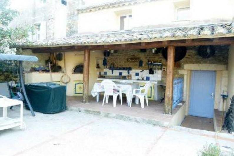 Location de vacances - Gîte à Bouchet - CUISINE D ETE AVEC FOUR A PIZZA