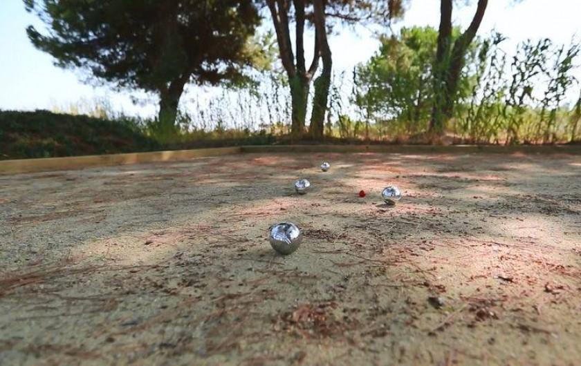 Location de vacances - Villa à Taglio-Isolaccio - Terrain de pétanque
