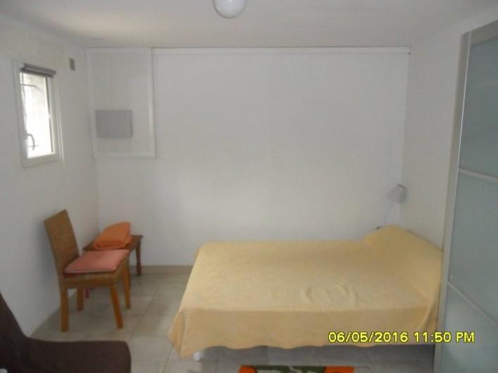 Location de vacances - Appartement à Sainte-Maxime - Chambre à coucher.